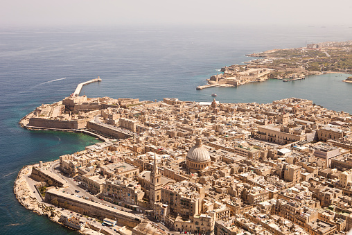 Maltese Islands「Aerial View of Valletta, Malta. Taken from a light Aircraft」:スマホ壁紙(3)