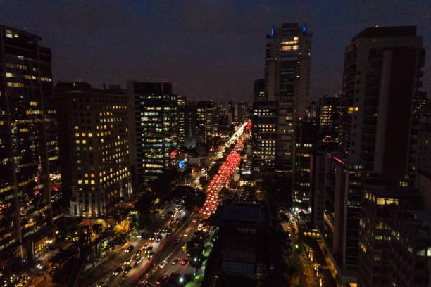 Aerial view of Rush Hour in Sao Paulo city, Brazil at night:スマホ壁紙(壁紙.com)