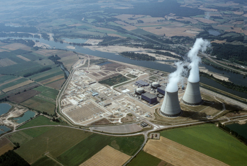 Emitting「Aerial view of nuclear power plant 」:スマホ壁紙(19)