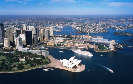 New South Wales「Aerial view of Sydney Harbour, with Opera House and MS Europa in centre, Sydney, New South Wales, Australia, Australasia」:スマホ壁紙(18)