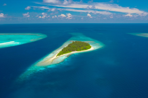 モルディブ「Aerial view of island, Indian Ocean, Maldives」:スマホ壁紙(9)