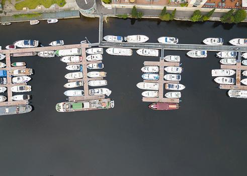 船・ヨット「マリーナ、ウォーターフォード、アイルランドのボートの空撮。」:スマホ壁紙(1)