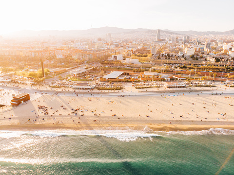 Sunbathing「Aerial view of Barceloneta beach」:スマホ壁紙(17)