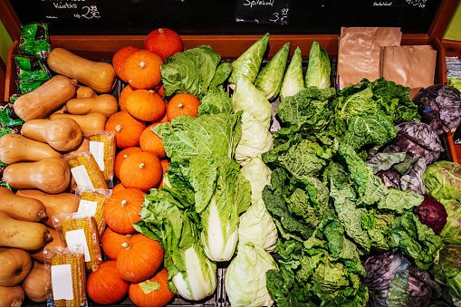 Market Stall「Aerial View Of Squashes, Lettuce And Cabbages」:スマホ壁紙(19)