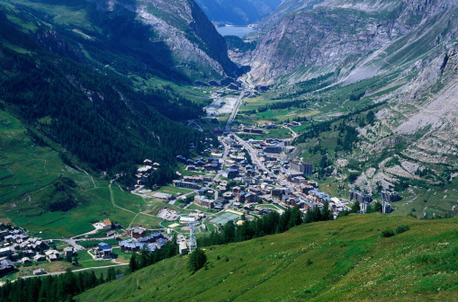 Val d'Isere「Aerial view of Val D'Isere」:スマホ壁紙(12)