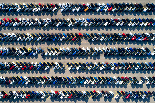 Parking Lot「Aerial View of Rows of Cars」:スマホ壁紙(9)