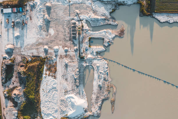 Aerial view of crushed stone quarry machine:スマホ壁紙(壁紙.com)