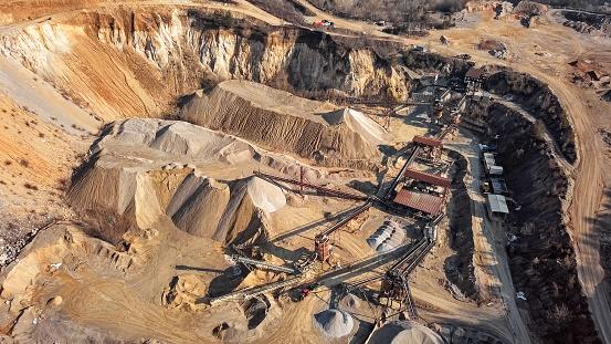 Belt「Aerial view of crushed stone quarry machine」:スマホ壁紙(19)
