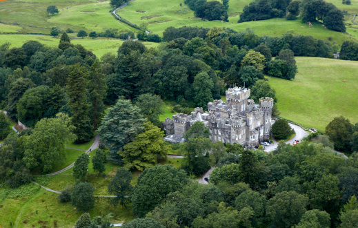 Gothic Style「Aerial view of Wray Castle」:スマホ壁紙(14)