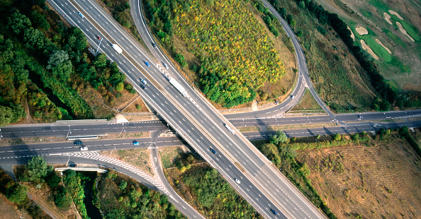 Construction Industry「Aerial view.Motorway flyover and interchange near Loughton Essex」:写真・画像(3)[壁紙.com]
