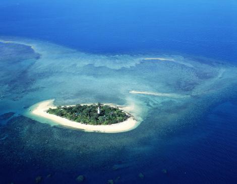Queensland「aerial view of fitzroy island, low isles, great barrier reef, queensland」:スマホ壁紙(14)
