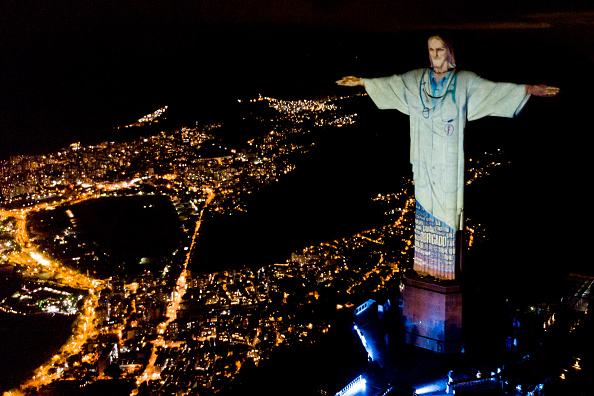 Rio de Janeiro「Act of Consecration of Brazil and Tribute to Medical Workers at the Christ the Redeemer Amidst the Coronavirus (COVID - 19) Pandemic」:写真・画像(0)[壁紙.com]