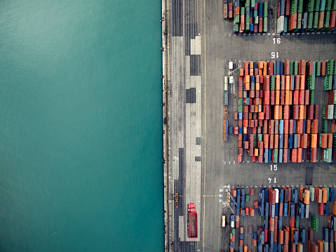 Built Structure「Aerial view of container port」:スマホ壁紙(13)