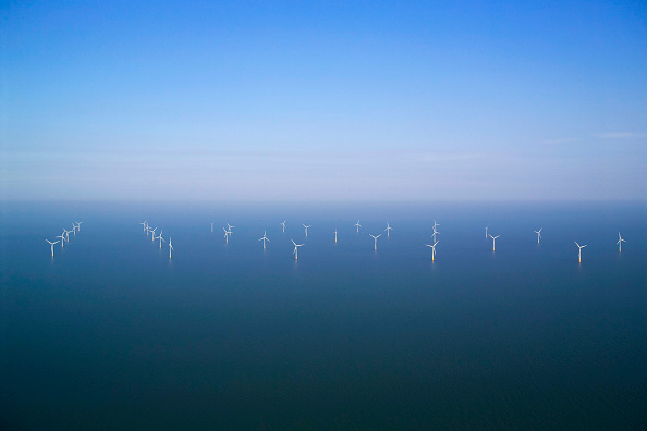Greenhouse「aerial view of the Kentish flats windfarm showing the wind turbine generators off whitstable and herne bay in kent」:写真・画像(17)[壁紙.com]