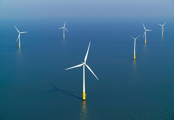 Turbine「aerial view of the Kentish flats windfarm showing the wind turbine generators off whitstable and herne bay in kent」:写真・画像(2)[壁紙.com]