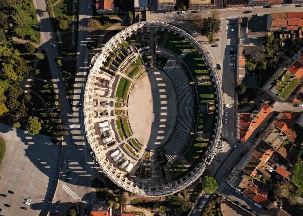 Aerial view of Roman amphitheatre in Pula. Istria, Croatia.:スマホ壁紙(壁紙.com)