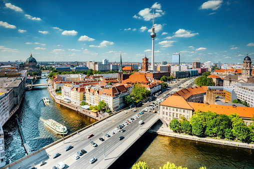 Panoramic「aerial view on Berlin with Tv-Tower and river」:スマホ壁紙(0)