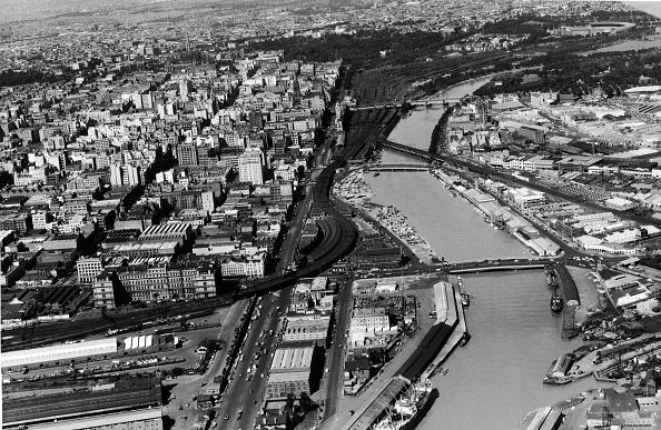 都市景観「Aerial Of Melbourne, Australia, 1954」:写真・画像(1)[壁紙.com]