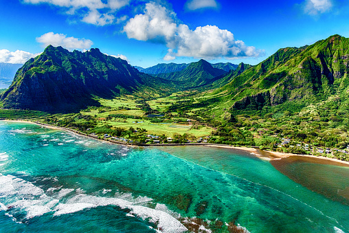 Travel Destinations「Aerial View of Kualoa area of Oahu Hawaii」:スマホ壁紙(4)