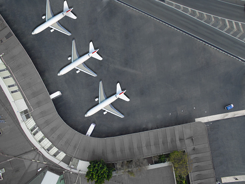 Commercial Airplane「Aerial view of an airport」:スマホ壁紙(13)
