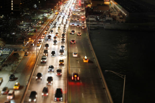 aerial view of highway at night in nyc:スマホ壁紙(壁紙.com)