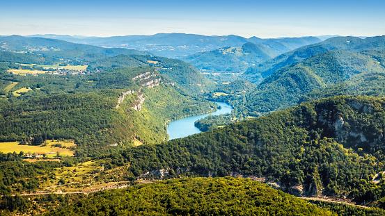 Auvergne-Rhône-Alpes「Aerial view of french Ain river valley in Bugey mountains Auvergne-Rhone-Alpes in summer」:スマホ壁紙(19)