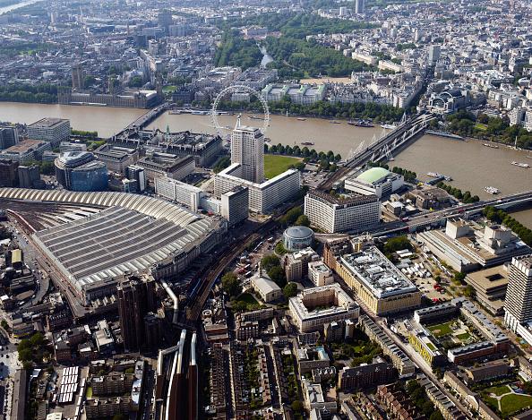 Amusement Park Ride「Aerial view of Waterloo Station, London, UK.」:写真・画像(3)[壁紙.com]