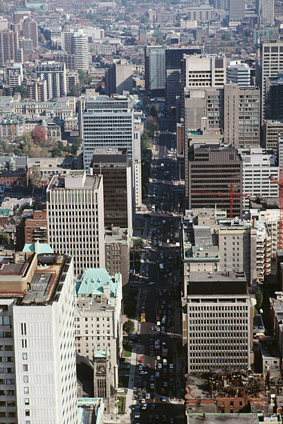 Aerial view of downtown Montreal, Quebec, Canada:スマホ壁紙(壁紙.com)