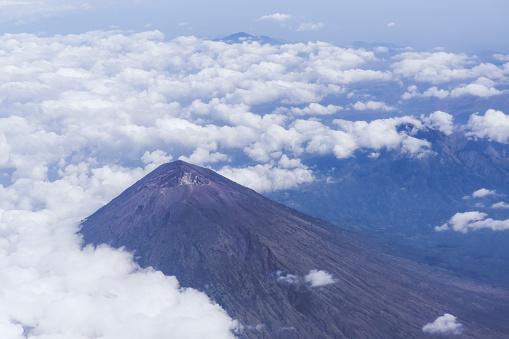 Mt Agung「Aerial view of volcanoes in Bali」:スマホ壁紙(1)