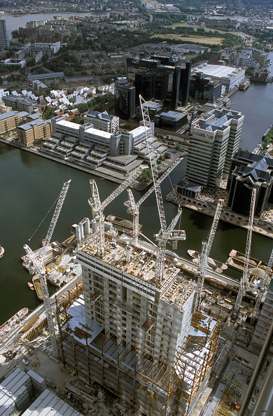 New「Aerial view of a new building at Canary Whaf, London」:写真・画像(2)[壁紙.com]