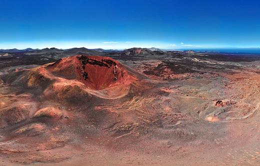 Caldera「Aerial view of volcano, Timanfaya National Park, Lanzarote, Canary Islands」:スマホ壁紙(13)