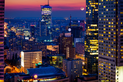 Warsaw「Aerial view of center of Warsaw in the evening, Poland」:スマホ壁紙(15)