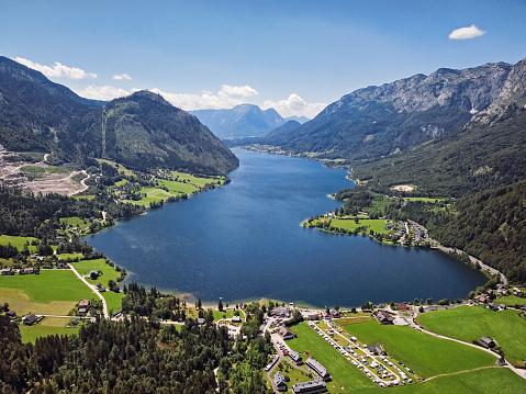 Salzkammergut「Aerial view of Grundlsee lake in Salzkammergut, Styria, Austria」:スマホ壁紙(3)