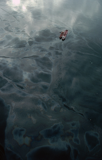 1980-1989「Aerial View of the Exxon Valdez Oil Spill in Prince William Sound」:スマホ壁紙(4)