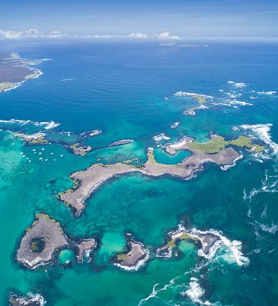 ガラパゴス諸島「美しいラスベガス Tintoreras、イスラ イサベラ島、ガラパゴス諸島、エクアドルの航空写真」:スマホ壁紙(10)