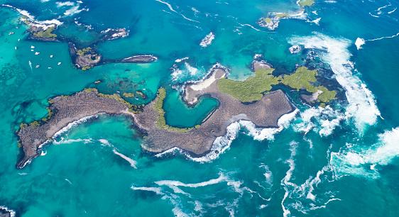 ガラパゴス諸島「美しいラスベガス Tintoreras、イスラ イサベラ島、ガラパゴス諸島、エクアドルの航空写真」:スマホ壁紙(12)