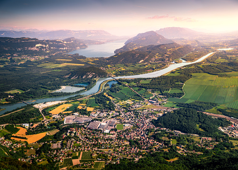Lake Bourget「Aerial view of beautiful French landscape at sunset in Bugey mountains, in Ain department Auvergne-Rhone-Alpes region, with Culoz small town, the Rhone River and famous Lake Bourget in background in summer」:スマホ壁紙(8)