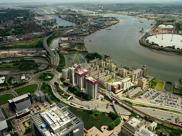 Vitality「Aerial view of large property development (Barratt - Electron) on the river Thames, opposite to the Millennium Dome on the Greenwich Peninsula, Thames Gateway, London, UK」:写真・画像(17)[壁紙.com]