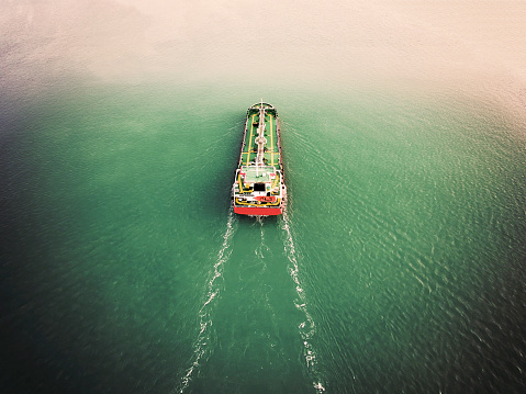 Ship「Aerial view Oil ship tanker carier oil from refinery on the sea.」:スマホ壁紙(16)