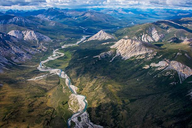 Aerial View of the Brooks Range in summer, ANWR, Alaska :スマホ壁紙(壁紙.com)