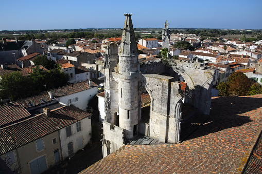 Nouvelle-Aquitaine「Aerial view of St-Martin-de-Re from church clock tower.」:スマホ壁紙(14)