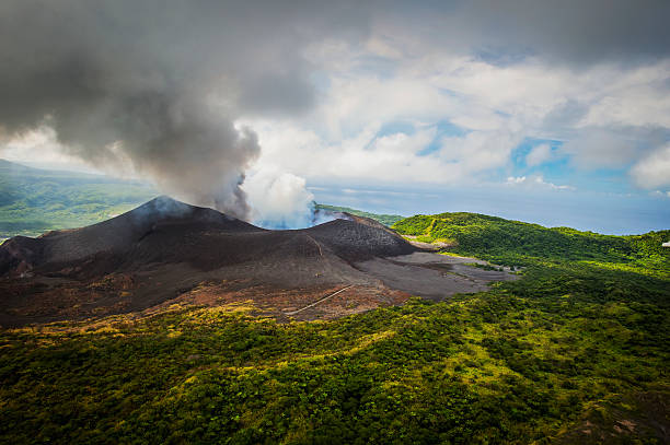 Aerial view of Yasure Volcano; Tanna Island, Vanuatu:スマホ壁紙(壁紙.com)