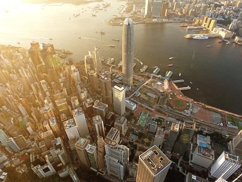 Victoria Peak「Aerial view of Hong Kong, Victoria harbour in sunset」:スマホ壁紙(14)