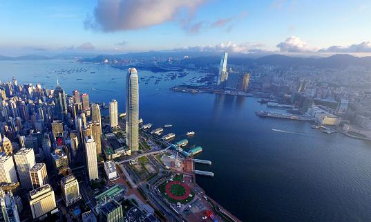 Victoria Peak「Aerial view of Hong Kong, Victoria harbour in sunrise」:スマホ壁紙(10)