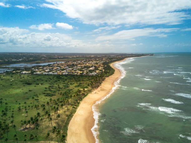 ブラジルの楽園ビーチの空撮:スマホ壁紙(壁紙.com)