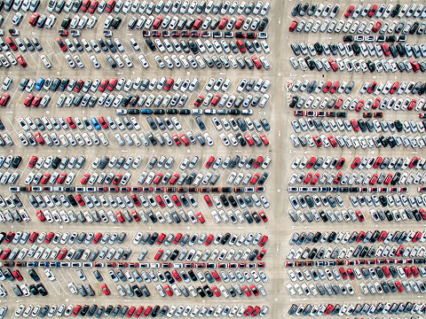 Arrangement「Aerial view of parked cars」:スマホ壁紙(7)
