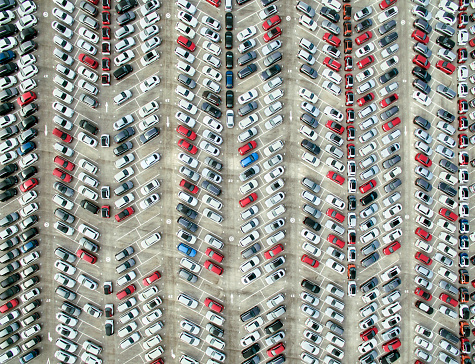 Parking Lot「Aerial view of parked cars」:スマホ壁紙(6)
