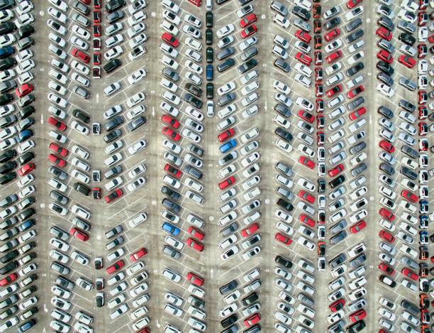 Aerial view of parked cars:スマホ壁紙(壁紙.com)