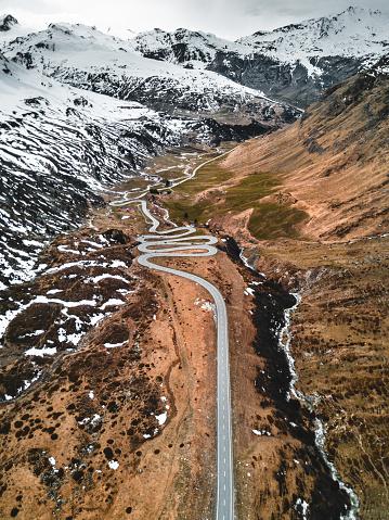 Hairpin Curve「aerial view of the julierpass in switzerland」:スマホ壁紙(11)