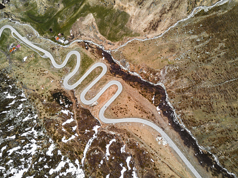 Hairpin Curve「aerial view of the julierpass in switzerland」:スマホ壁紙(13)